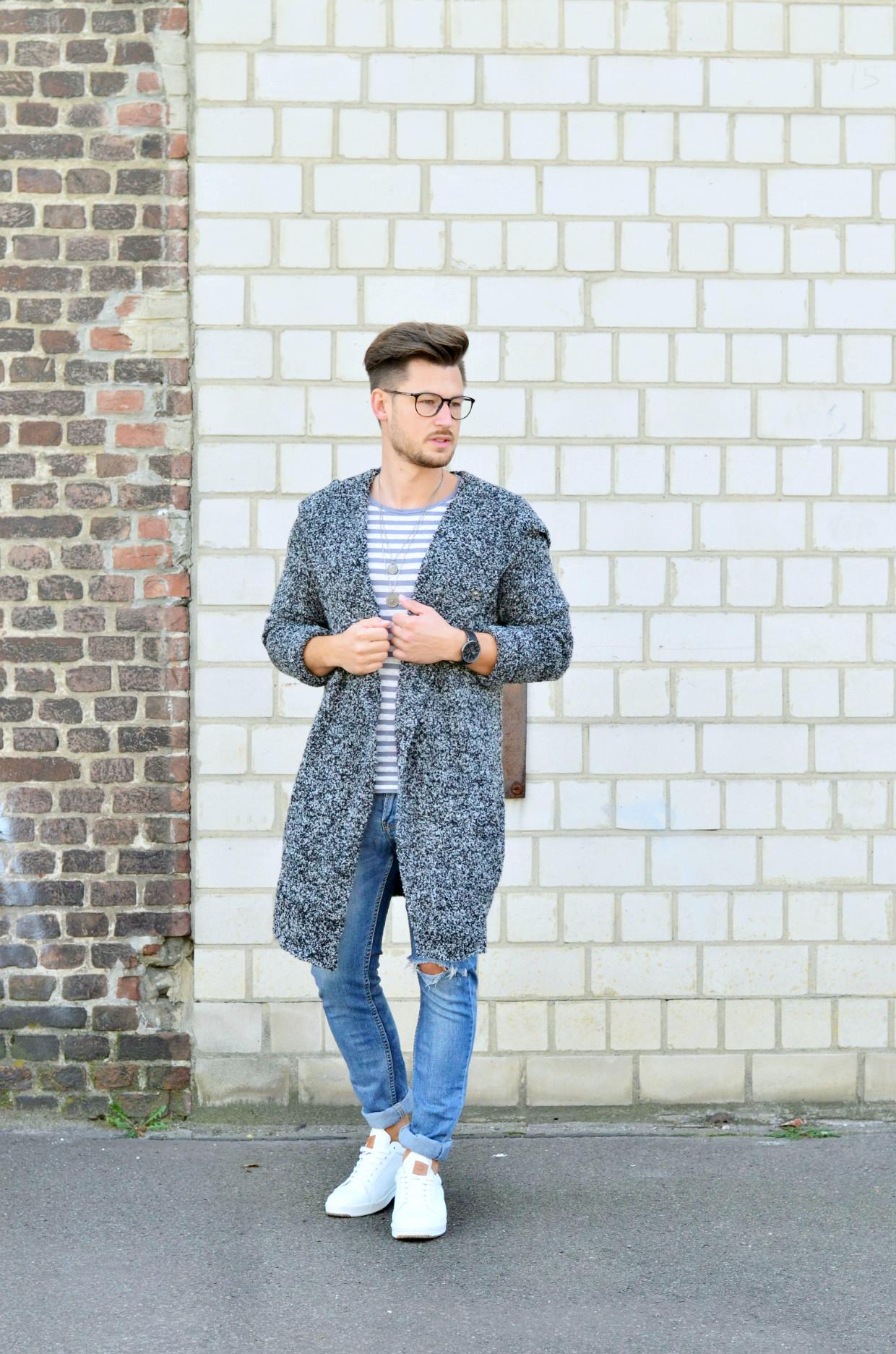 Männer-Blog-Berlin-Outfit-Cardigan-Jeans-Streifenshirt-Sneaker-Brille