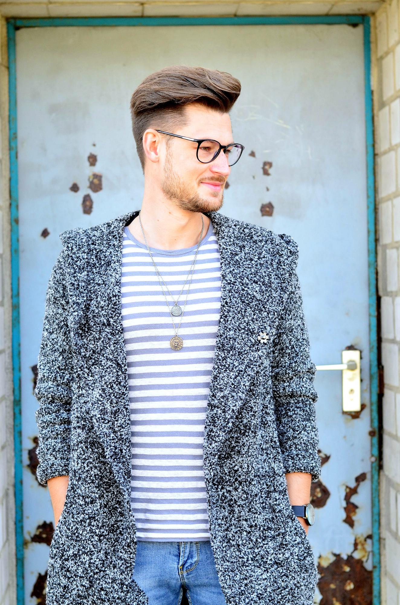 Männer-Blog-Berlin-Outfit-Cardigan-Jeans-Streifenshirt-Sneaker-Gucci-Brille