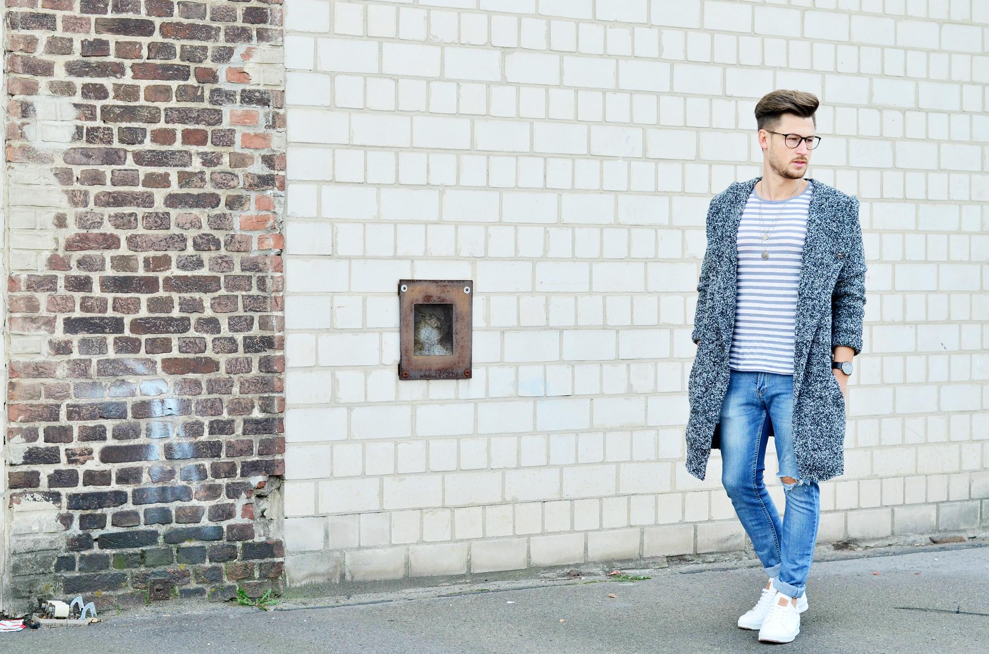 Männer-Blog-Berlin-Outfit-Cardigan-Jeans-Streifenshirt-Sneaker