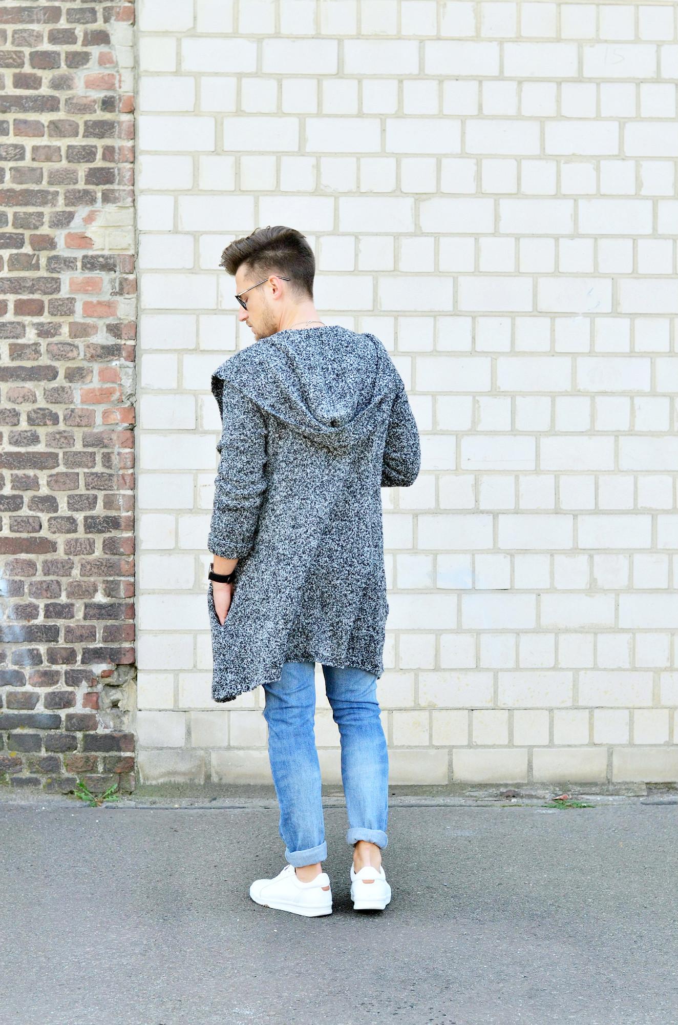 Männer-Blog-Berlin-Outfit-Longcardigan-Jeans-Streifenshirt-Sneaker