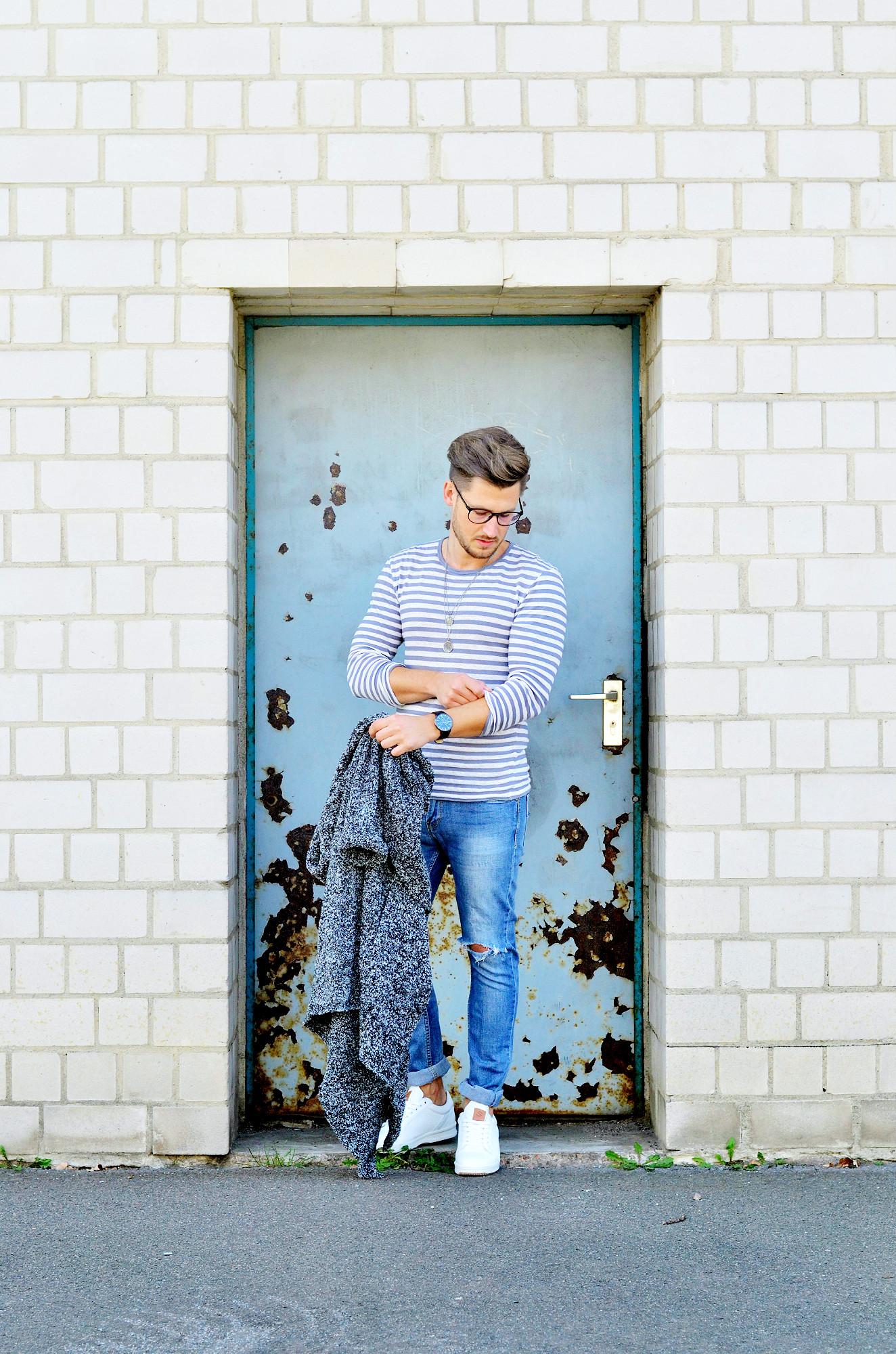 TommeezJerry-Style-Männer-Blog-Berlin-Outfit-Cardigan-Jeans-Streifenshirt-Sneaker