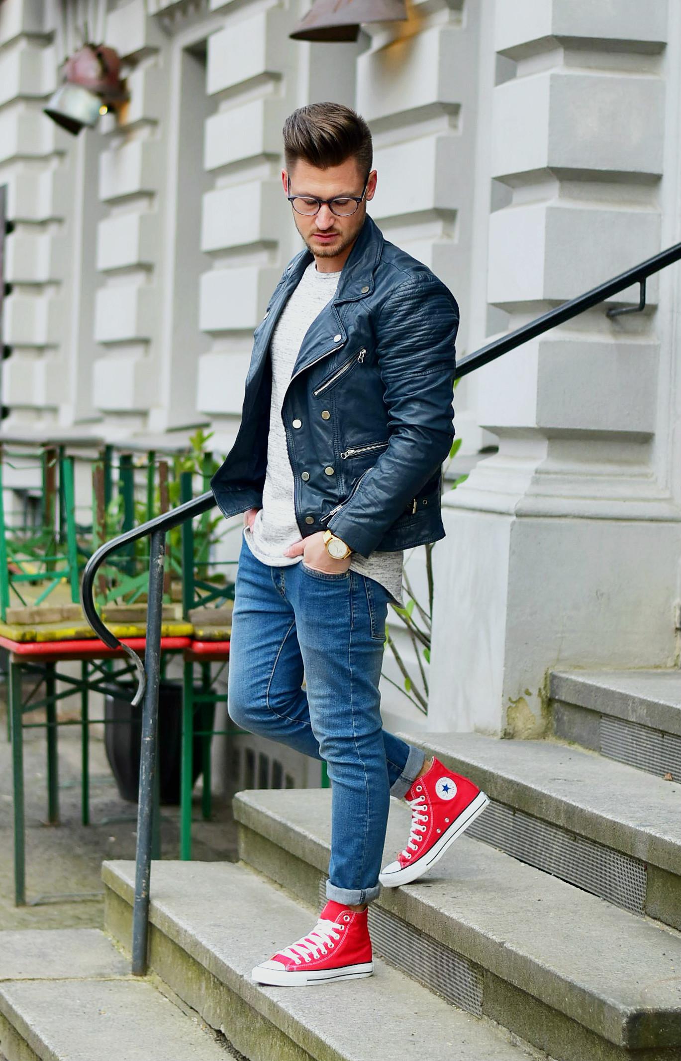 Tommeezjerry-Styleblog-Männerblog-Modeblog-Berlin-Outfit-Streetlook-Skinny-Jeans-Marineblaue-Bikerjacke-Rote-Converse-Chuck-Taylor-Northern-Legacy