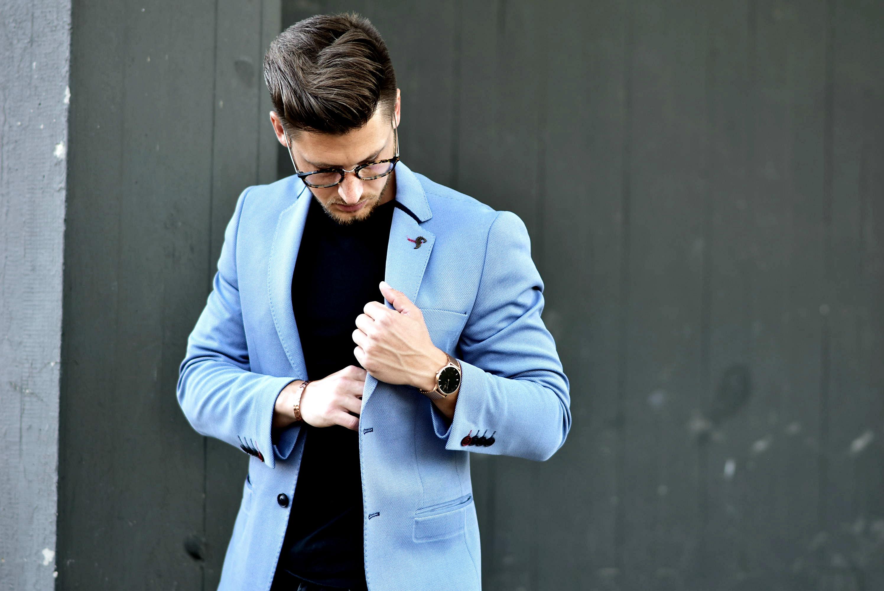 Tommeezjerry-Styleblog-Männerblog-Männer-Modeblog-Berlin-Berlinblog-Outfit-Streetlook-Royalblauer-Blazer-Royalblue-All-Black-Look-Chelsea-Boots-Skinny-Jeans-5