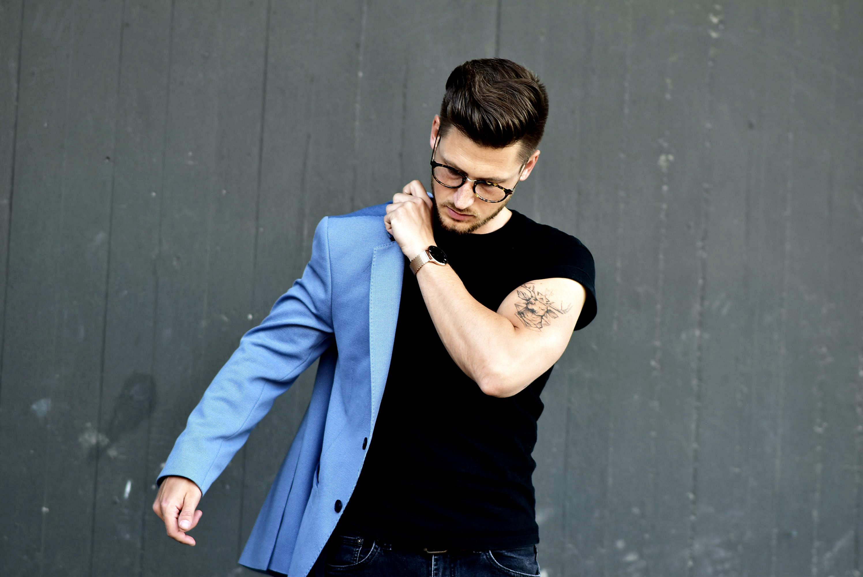 Tommeezjerry-Styleblog-Männerblog-Männer-Modeblog-Berlin-Berlinblog-Outfit-Streetlook-Royalblauer-Blazer-Royalblue-All-Black-Look-Chelsea-Boots-Skinny-Jeans-6