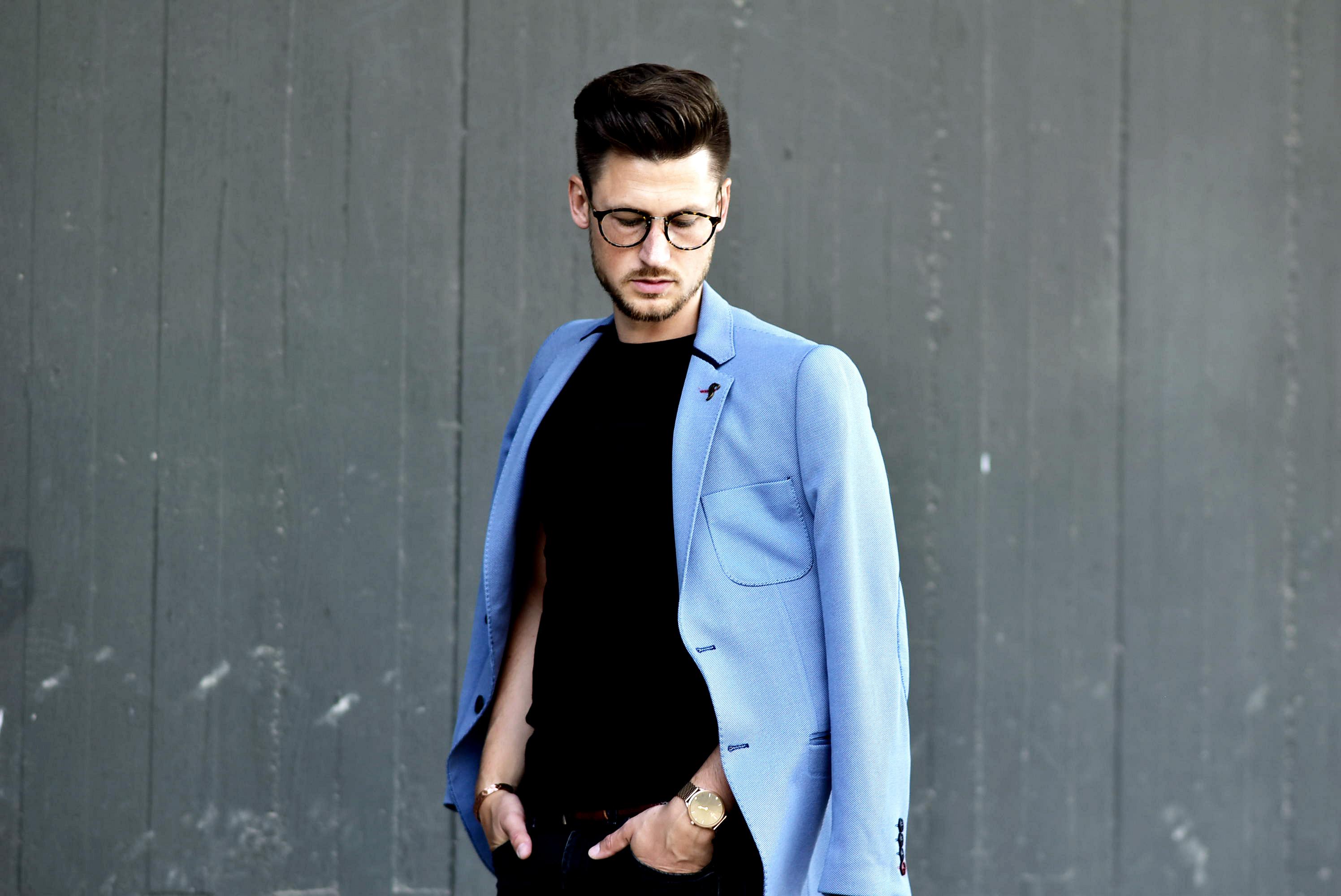 Tommeezjerry-Styleblog-Männerblog-Männer-Modeblog-Berlin-Berlinblog-Outfit-Streetlook-Royalblauer-Blazer-Royalblue-All-Black-Look-Chelsea-Boots-Skinny-Jeans-7
