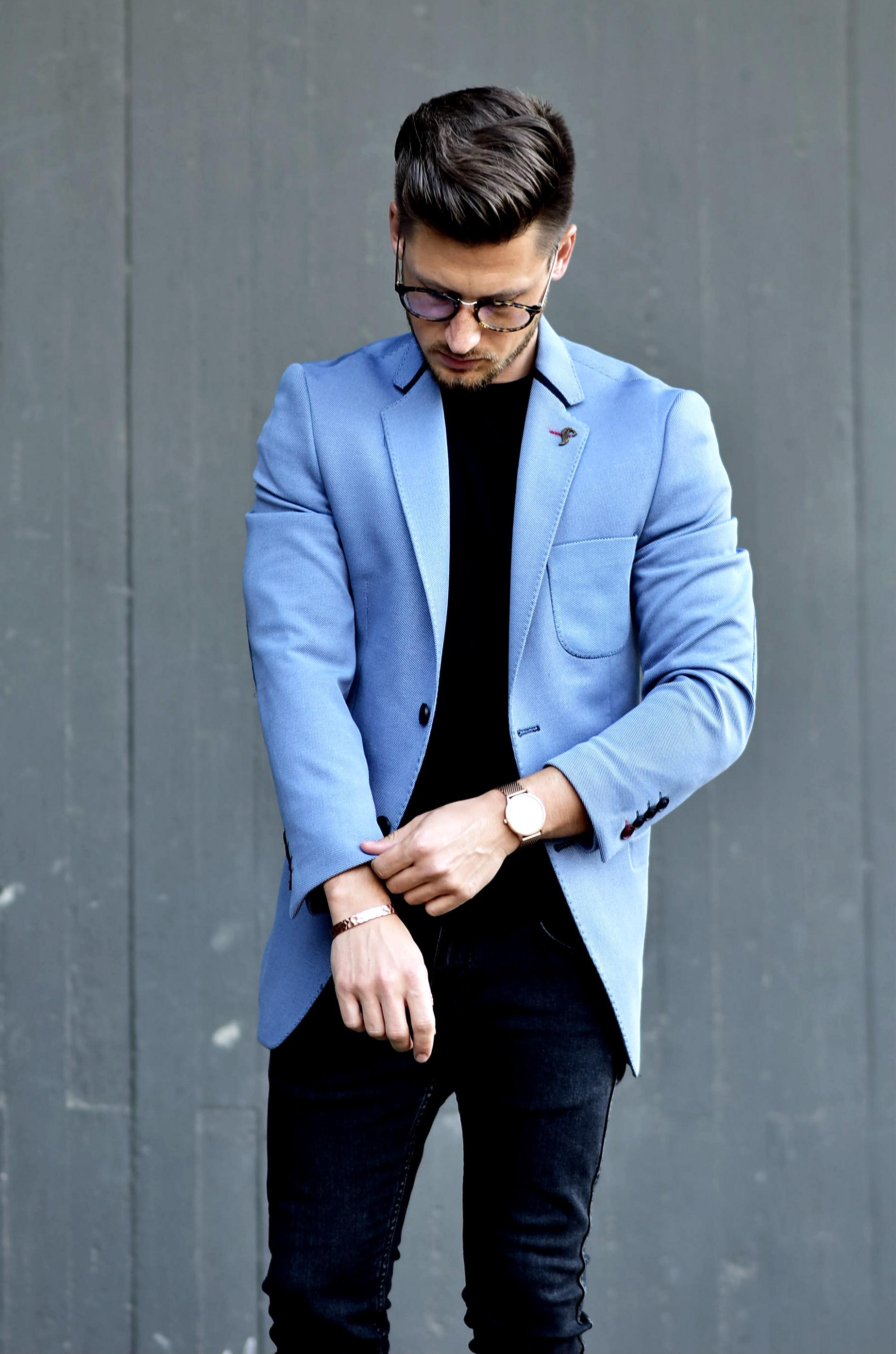 Tommeezjerry-Styleblog-Männerblog-Männer-Modeblog-Berlin-Berlinblog-Outfit-Streetlook-Royalblauer-Blazer-Royalblue-All-Black-Look-Chelsea-Boots-Skinny-Jeans-9
