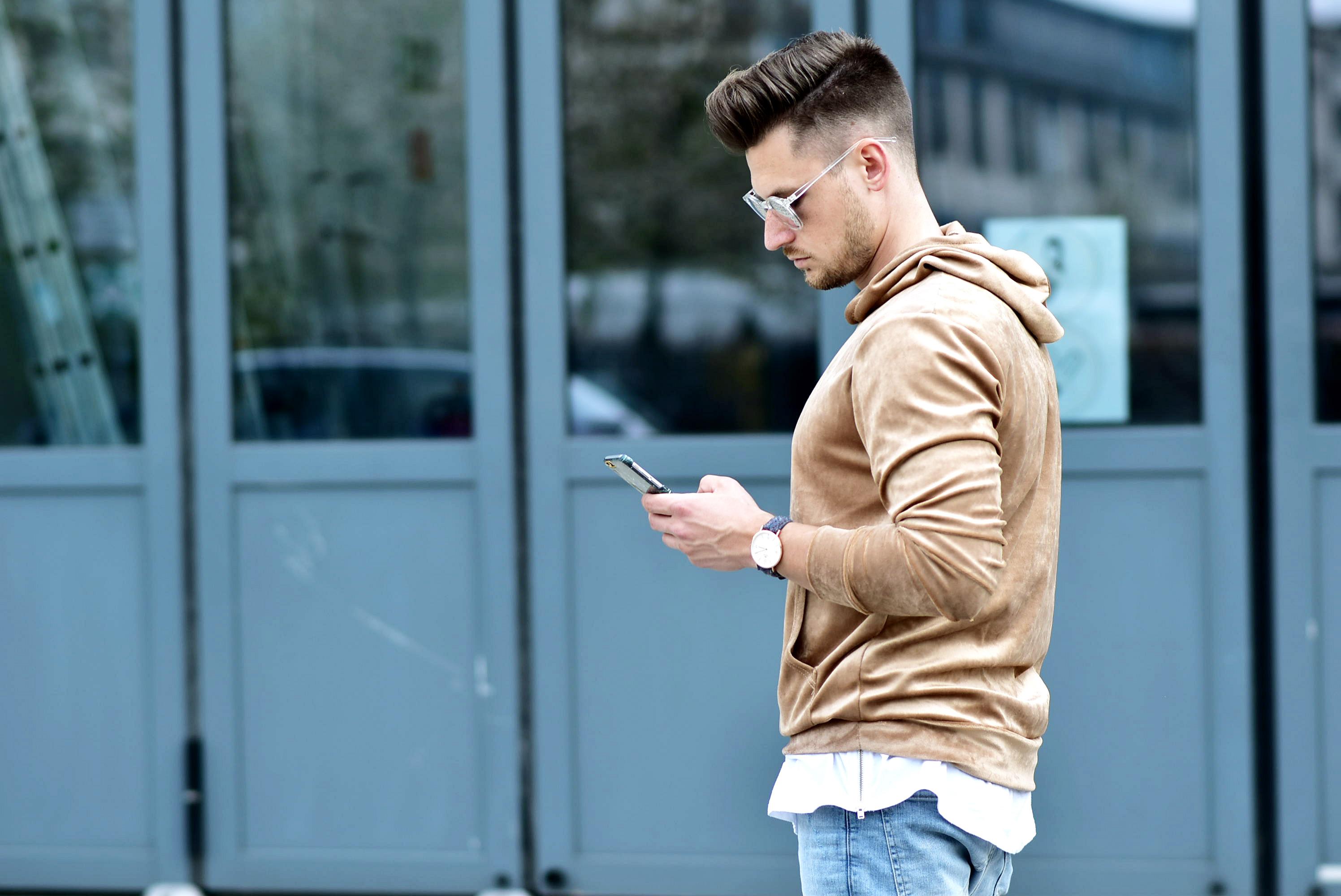 Tommeezjerry-Styleblog-Männerblog-Männer-Modeblog-Berlin-Berlinblog-Outfit-Streetlook-Vintage-Retro-Oversized-Adidas-Superstar-Skinny-Jeans-Velours-Nude