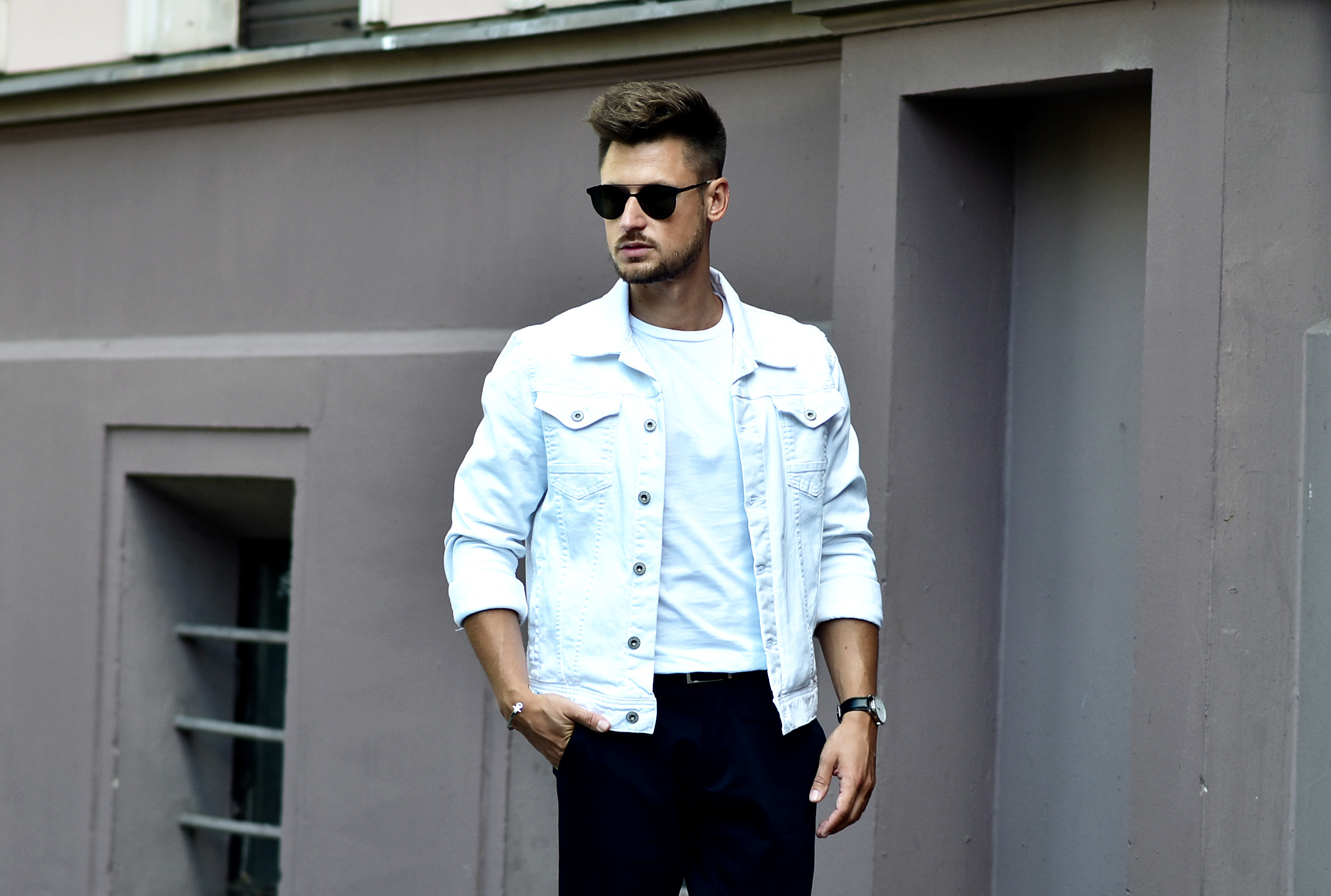 Tommeezjerry-Styleblog-Männerblog-Männer-Modeblog-Berlin-Berlinblog-Männermodeblog-Outfit-Cropped-Fit-Hose-Sommerlook-Carrera-Classy-Chic-Pepe-Jeans-Adias-Superstar