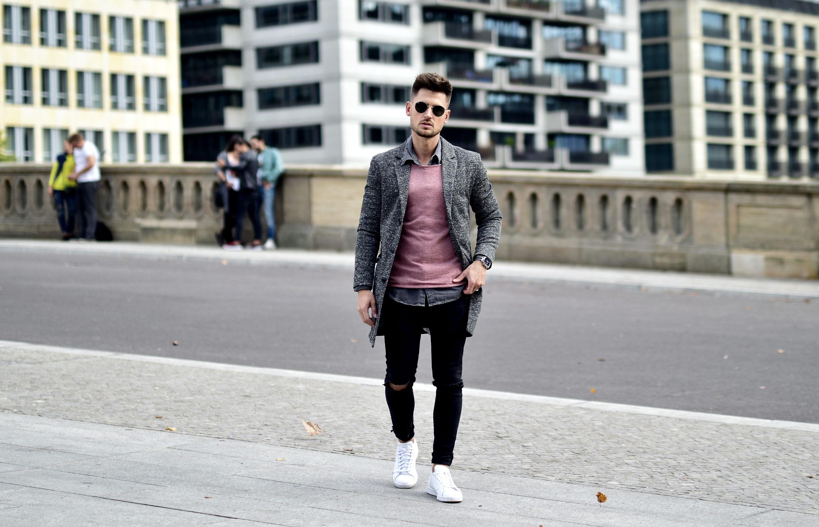 Tommeezjerry-Styleblog-Männerblog-Männer-Modeblog-Berlin-Berlinblog-Männermodeblog-Outfit-Long-Blazer-Mantel-Adidas-Stan-Smith-Streetstyle-Casual-Ripped-Jeans