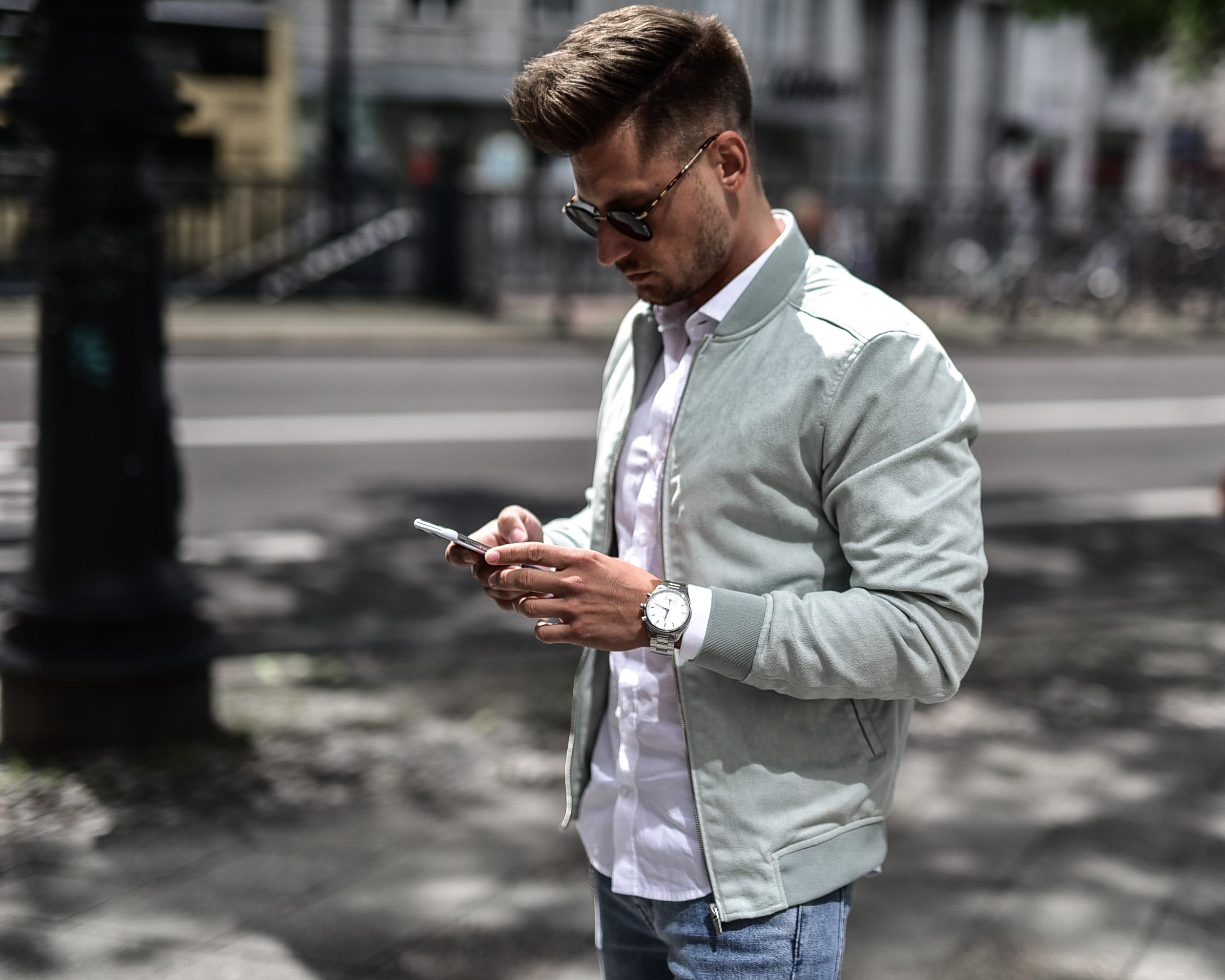 Tommeezjerry-Maennermodeblog-Maennermode-Fashionblog-Styleblog-Berlinblog--Lifestyleblog-Casualchic-Details-Timepiece-Smartwatch-Kronaby-Suede-Jacket-Gucci-Sneaker