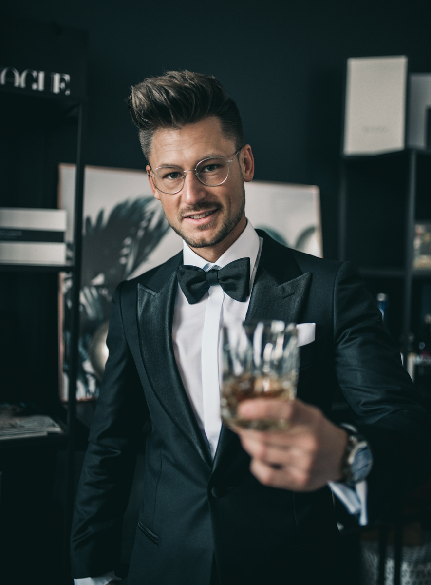 Tommeezjerry-Lifestyleblog-Fashionblog-Maennermodeblog-Maennerblog-Modeblog-Silvester-Look-New-Years-Eve-Outfit-Olymp-Silvesteroutfit-Fliege-Hemd-Inspiration-Maennerstyle